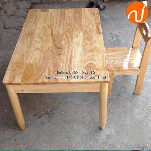 Bàn gỗ mầm non cho bé hình chữ nhật TP-1103-2