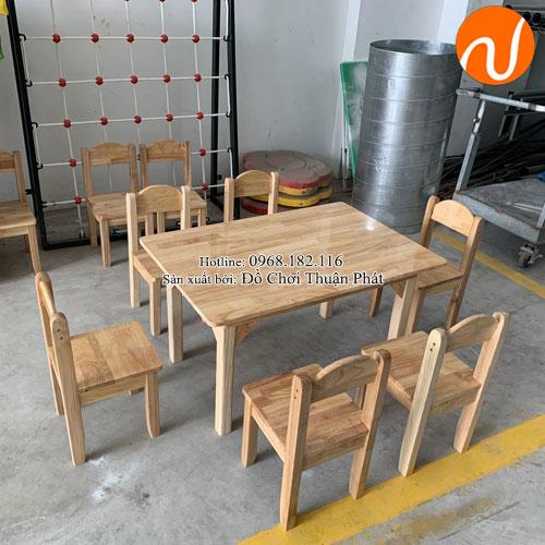 Bàn gỗ mầm non cho bé hình chữ nhật TP-1103-3