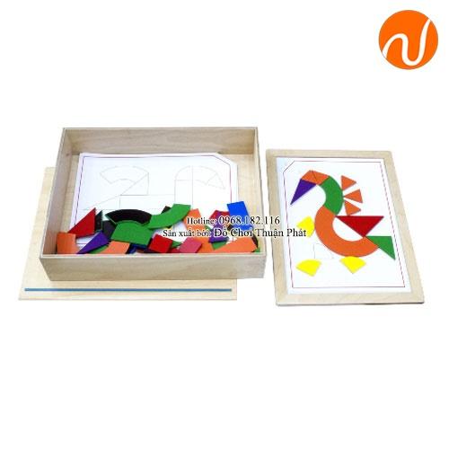 Giáo cụ Montessori xếp hình theo bảng chỉ dẫn UDLQ-5610
