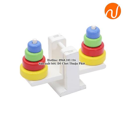 Giáo cụ bộ xếp thăng bằng GC03-038 giúp trẻ nhận biết màu sắc, tư duy so sánh và phát triển khả năng cầm nắm khéo léo