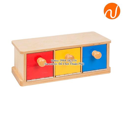 Giáo cụ hộp màu có 3 ngăn GC03-028 giúp hoạt động về cơ tay