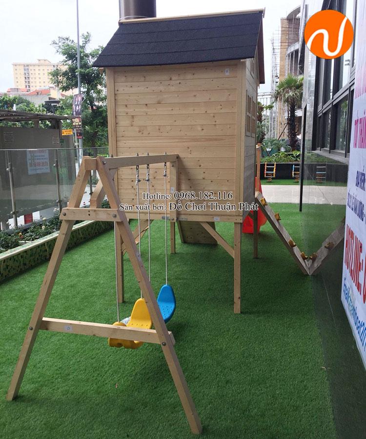 Lắp đặt nhà chòi bằng gỗ, tủ kệ mon cho trường mầm non tại Hà Nội-8