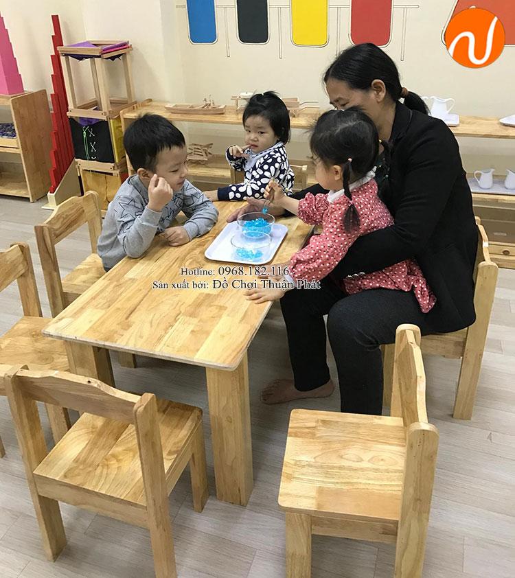 Sản xuất lắp đặt bàn ghế gỗ, tủ kệ mon cho trường mầm non tại Hải Phòng-2