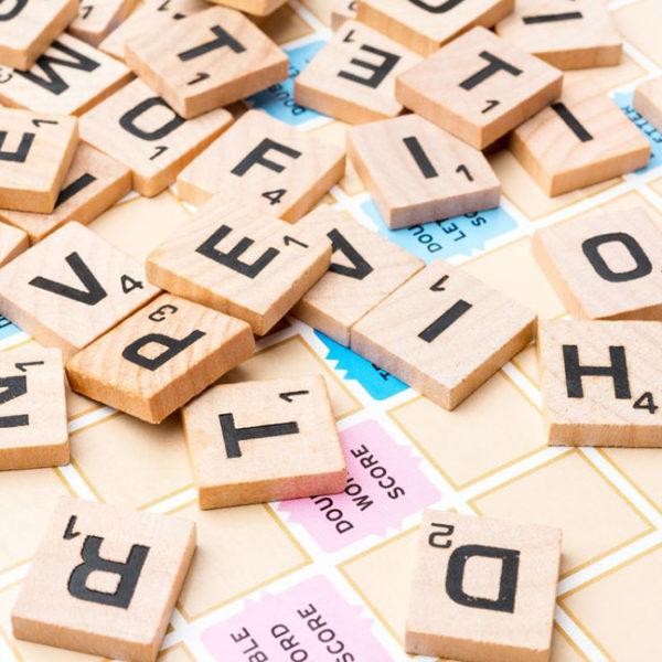 Giáo cụ Nhảy trên chữ cái, Tiếng Anh GC36-128 Giúp trẻ tiếp thu kiến thức một cách tự nhiên thông qua hình thức trò chơi đầy lôi cuốn.