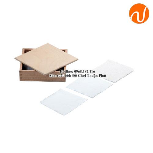 Hộp và các tấm vải màu trắng GC36-070