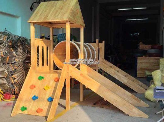 Sản xuất nhà khối cầu trượt bằng gỗ cho khách tại Bắc Giang