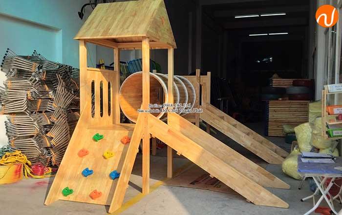 Sản xuất nhà khối cầu trượt bằng gỗ cho khách tại Bắc Giang-1