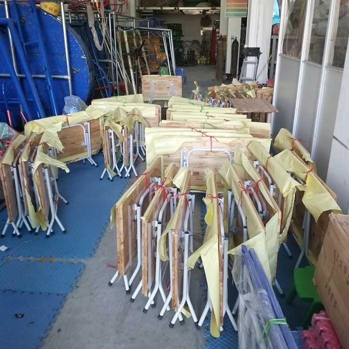Tư vấn chọn mua bàn ghế gỗ giá rẻ chất lượng cho trường mầm non-2